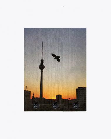 Sonnenuntergang am Alexanderplatz Berlin Garderobe aus Vintage Holz
